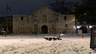 Texans React To State's Huge Snowfall
