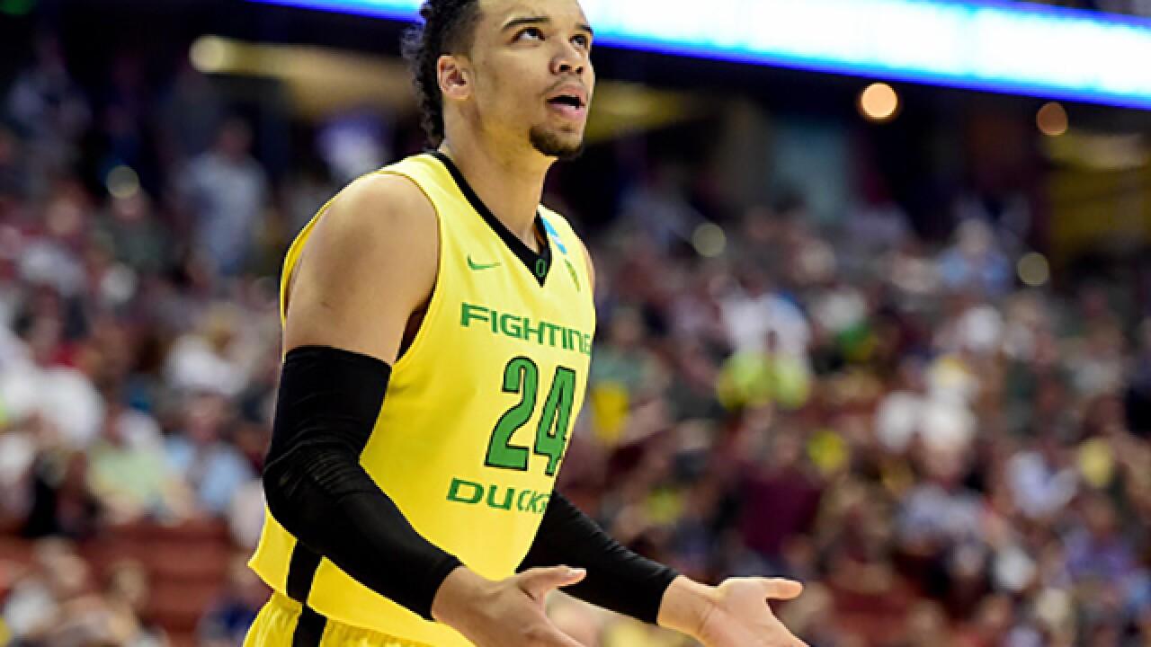 OU Sooners take on the Oregon Ducks