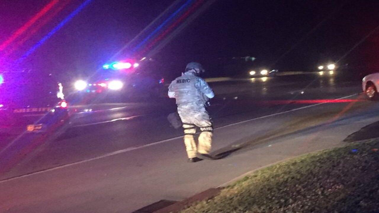 Sheriff: Suspect in deputy shooting surrenders