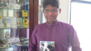 Harold_DSouza_with_book.jpg