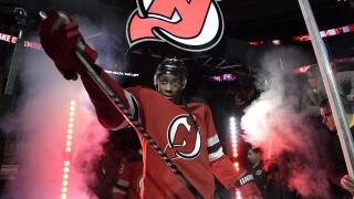 Report: Sabres acquire RW Wayne Simmonds