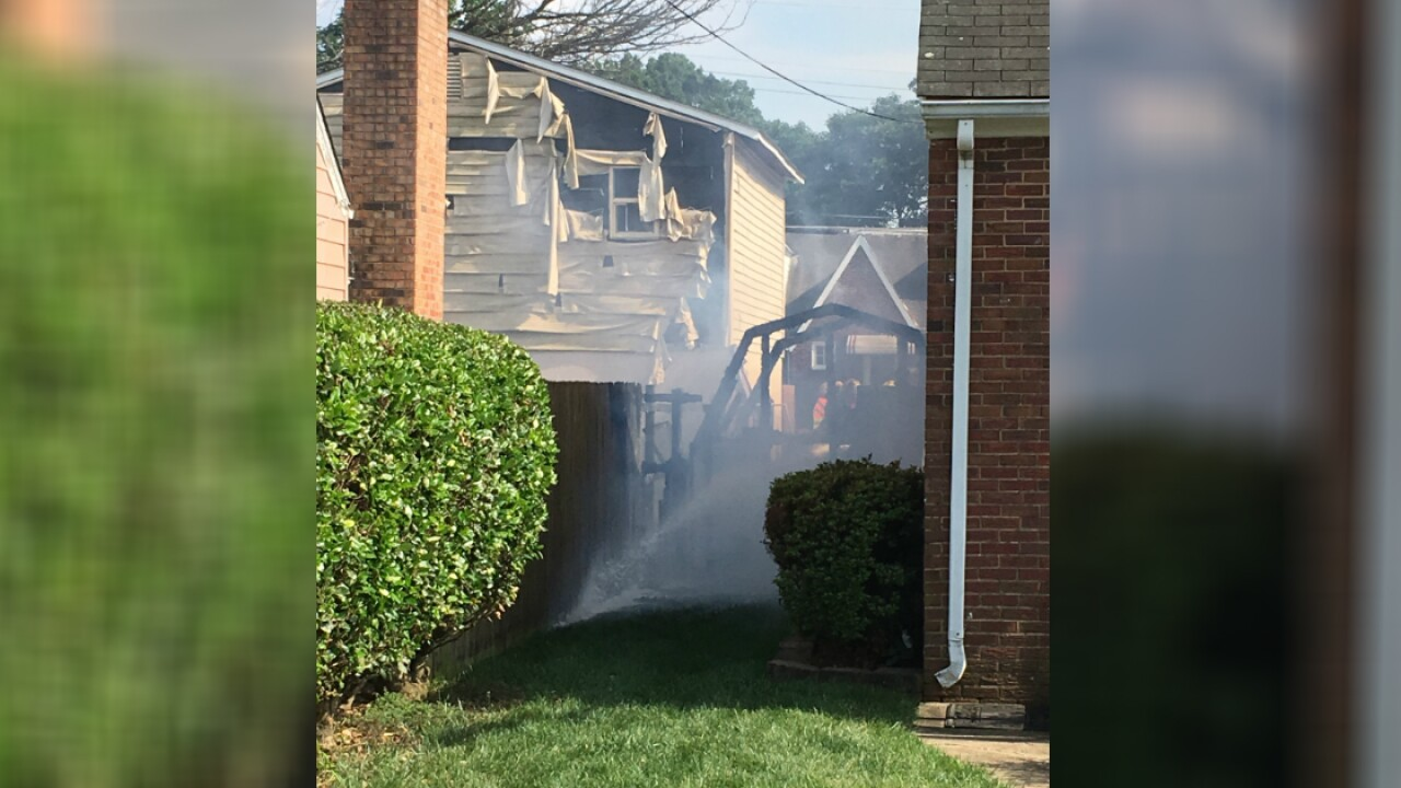 3 displaced after shed fire damages 2 homes in Colonial Heights