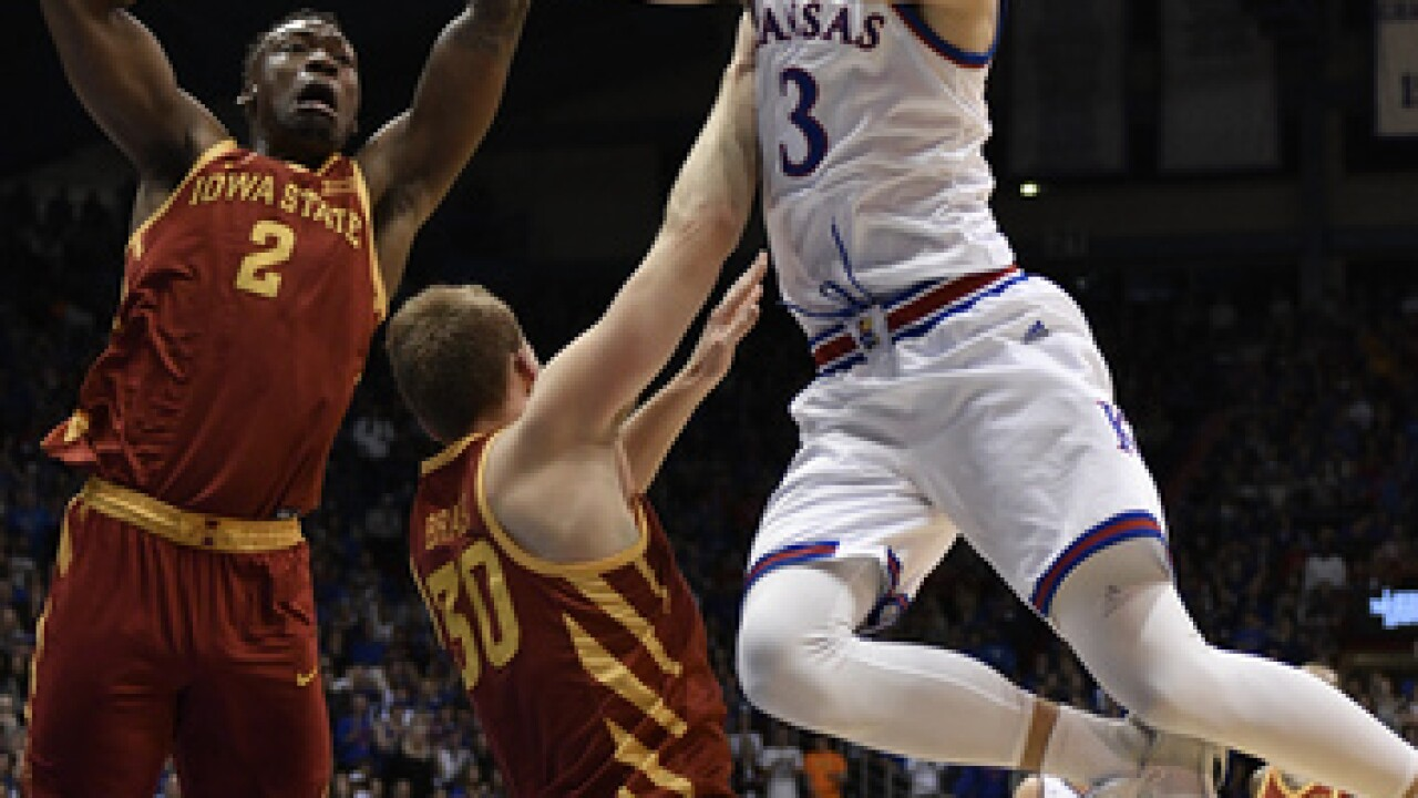 After transferring to KU, Sam Cunliffe elects to transfer from Kansas