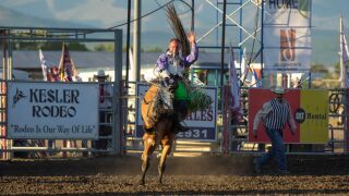 Isabelle, Sparing steal the show on night one of Last Chance Stampede