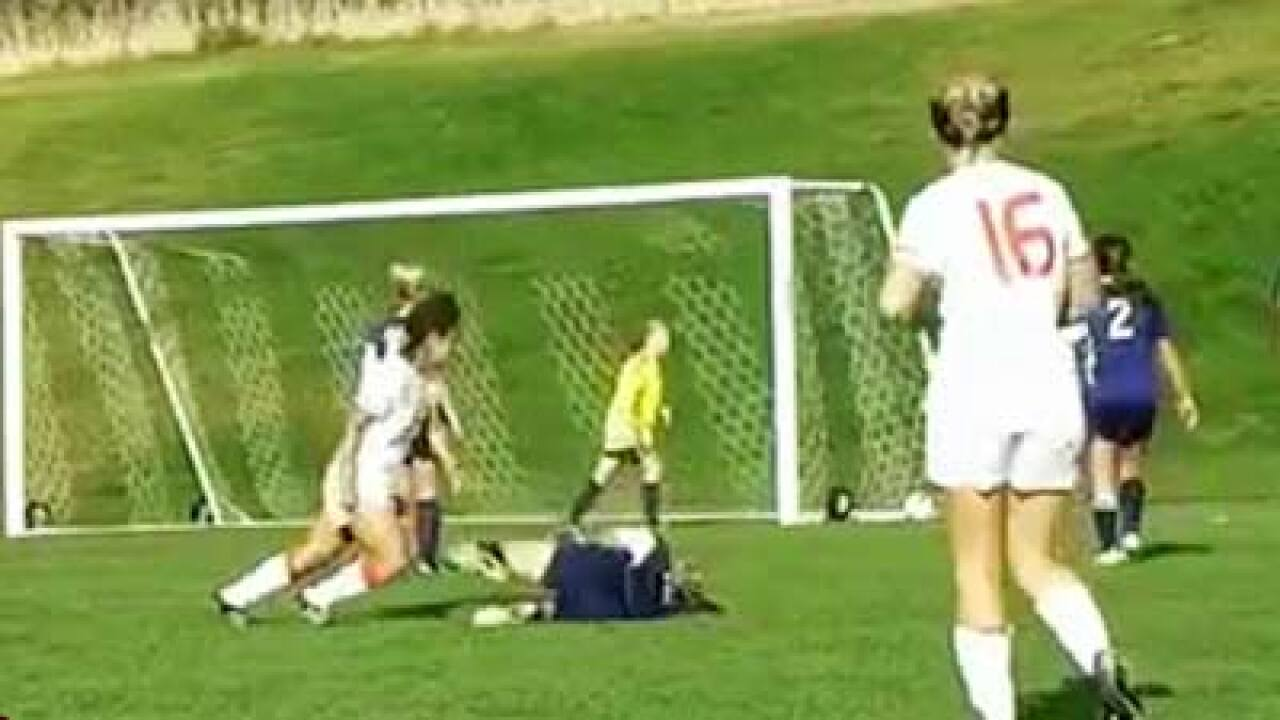 Coach: Soccer player to apologize for kneeing opponent