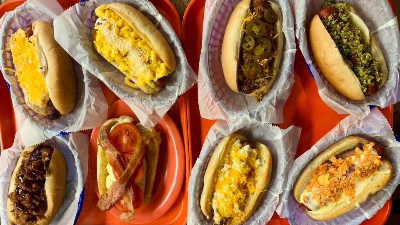 CHEAP EAT$: B&B Classic Dogs