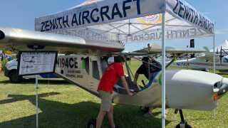 Students build a plane