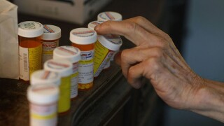 Study shows ER doctors don't realize just how often they prescribe opioids