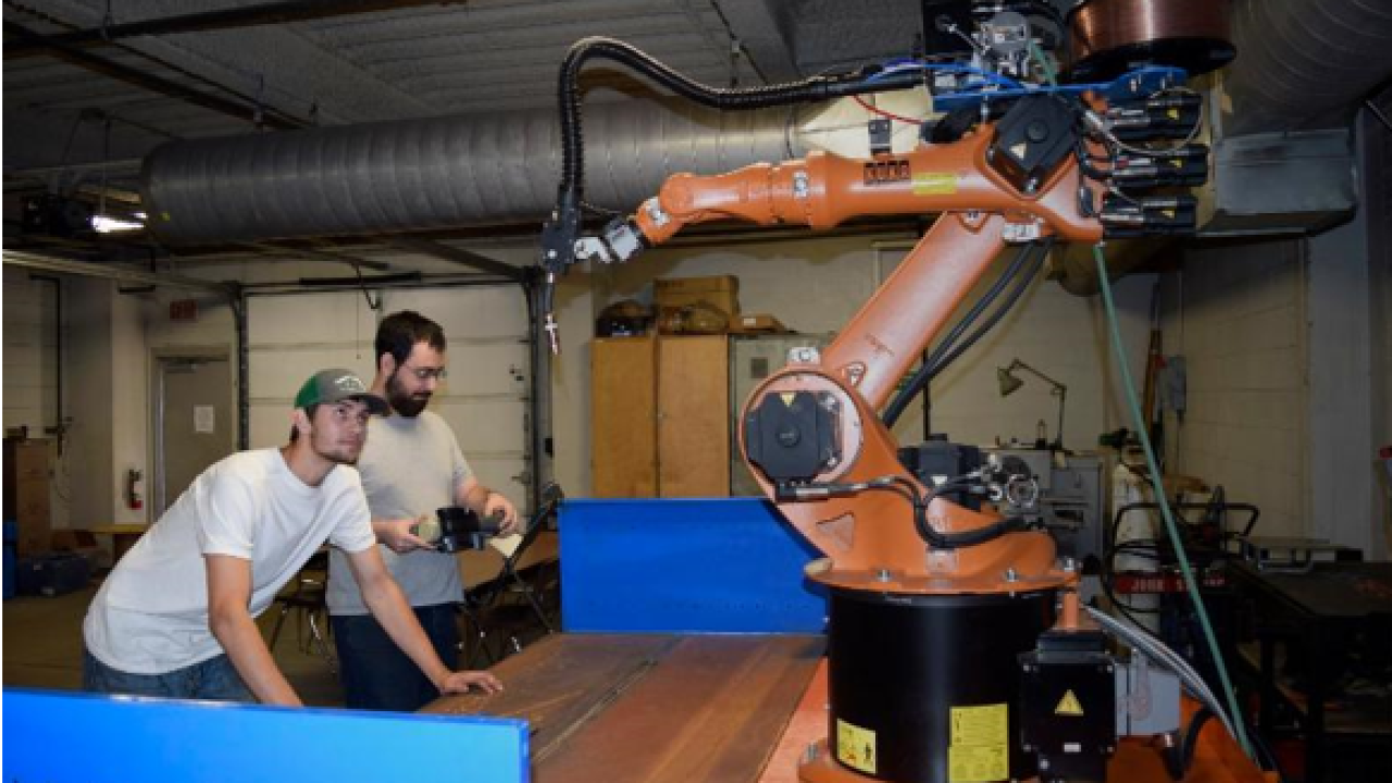 TSTC receives new welding robot