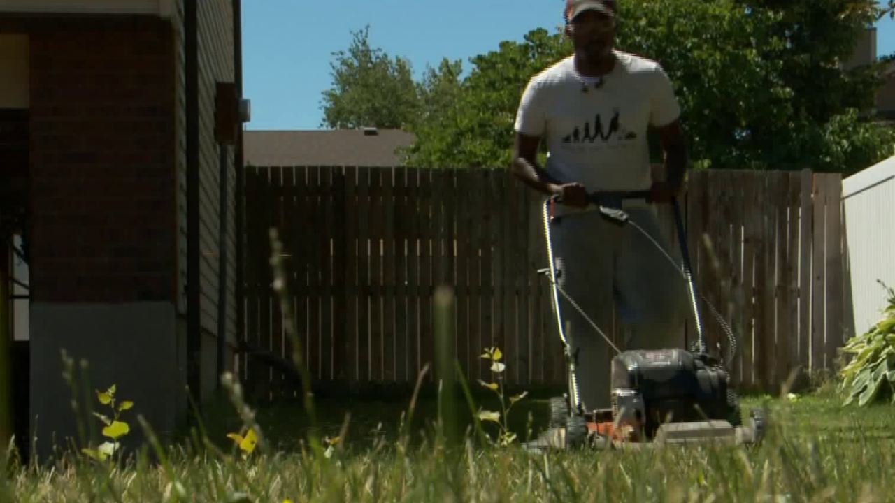 Man mowing lawns, inspiring kids to help those in need stops in SLC