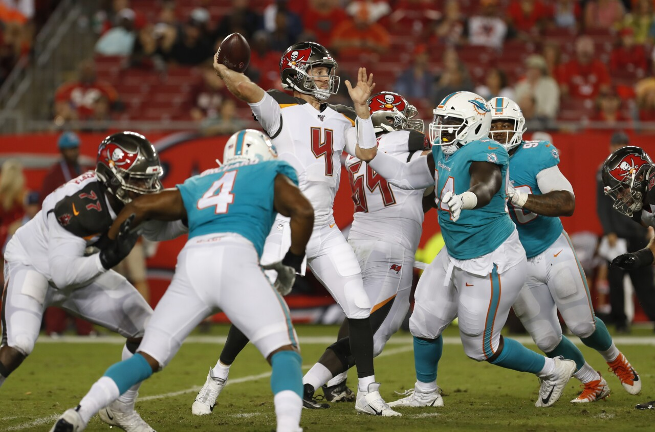 Tampa Bay Buccaneers QB Ryan Griffin throws vs. Miami Dolphins in 2019 preseason