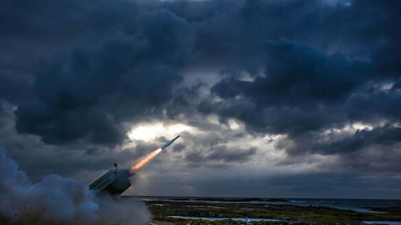 AMRAAM ground launch.jpg