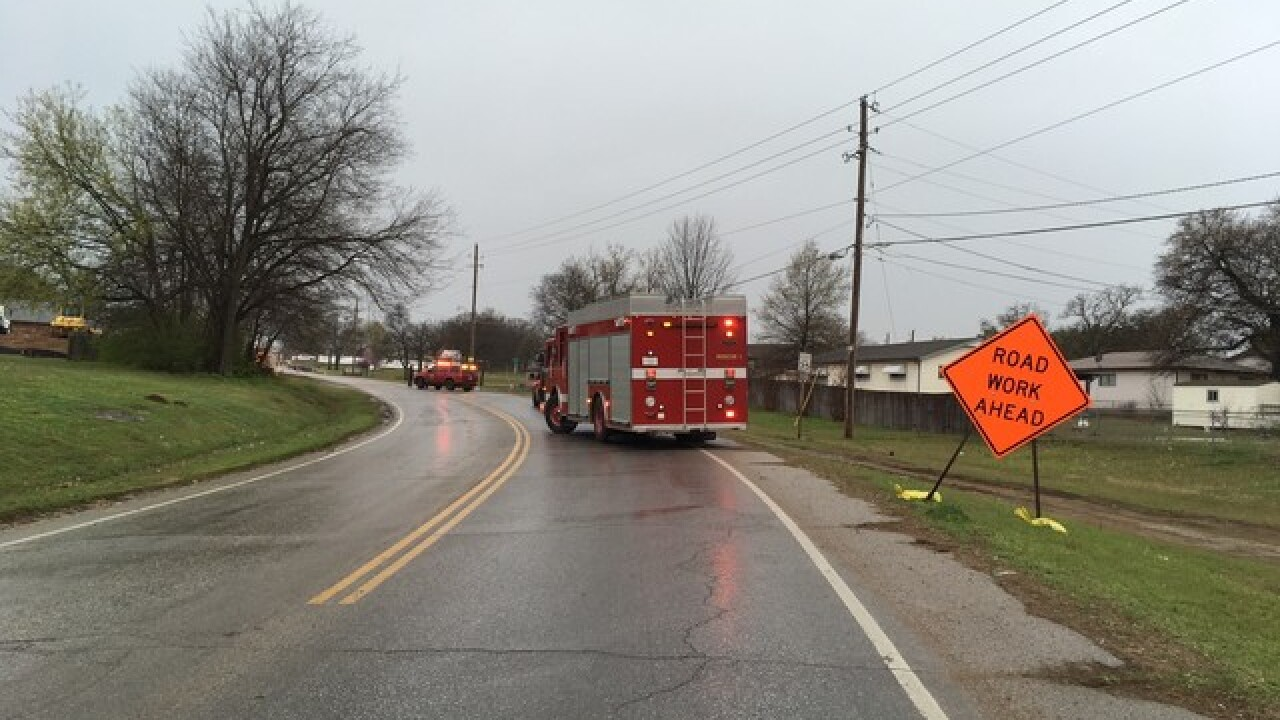 Gas line hit in Sand Springs