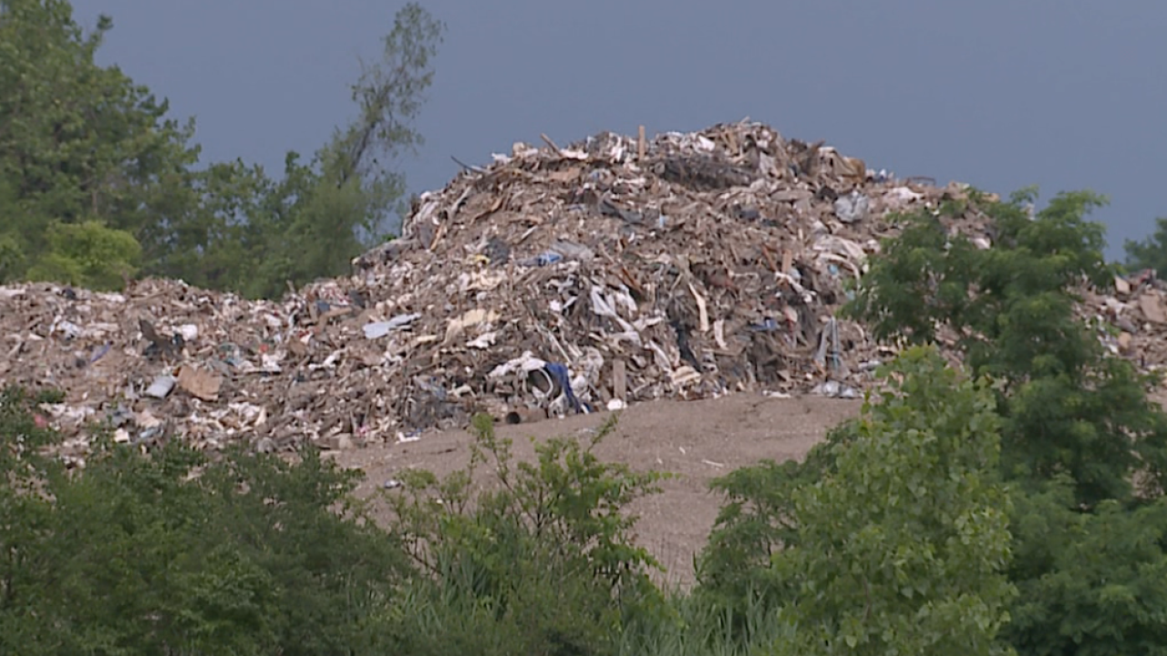 Brooklyn Heights residents don't want yet another landfill
