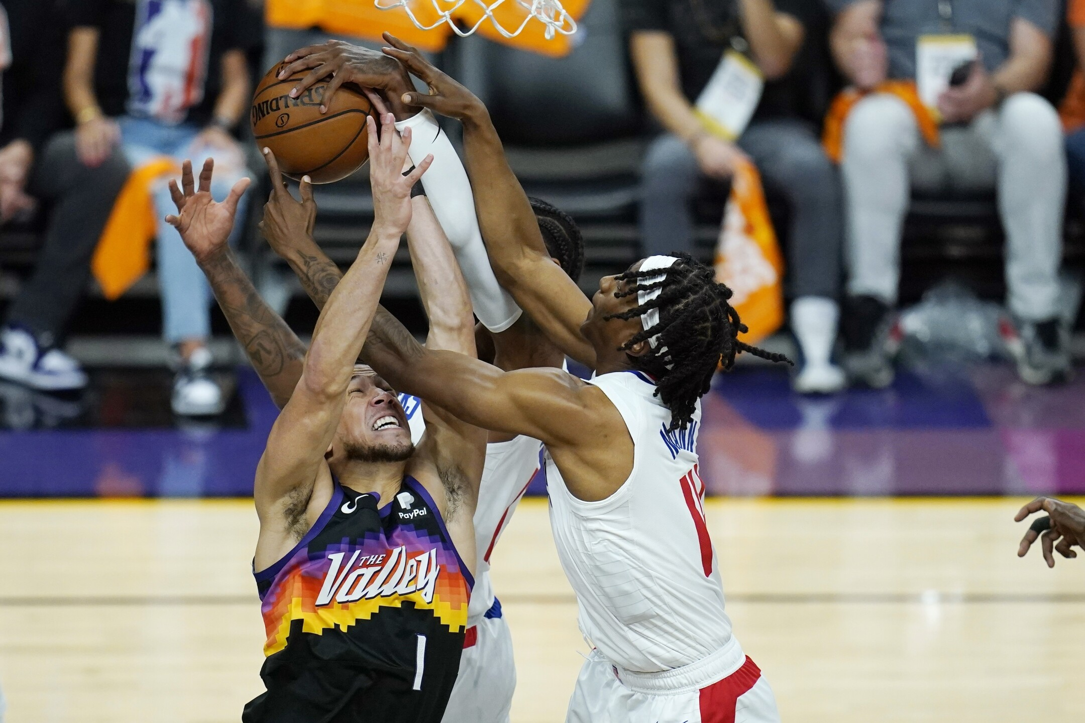CORRECTION Clippers Suns Basketball