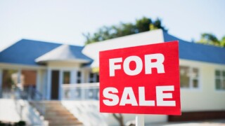 US pending home sales rebounded 4.6 percent inJanuary
