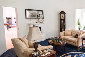 Home for sale in New York has replica Oval Office