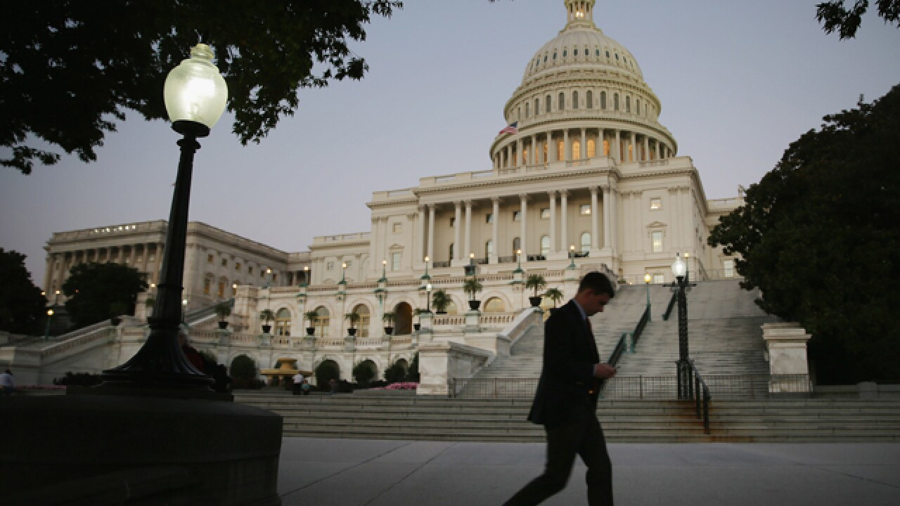 Congress approves plan to re-open government