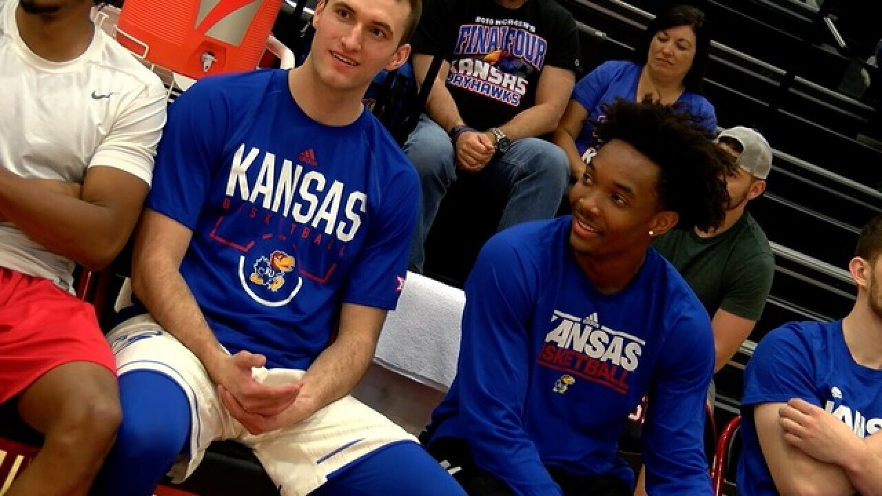 KU basketball seniors play in Barnstormer game