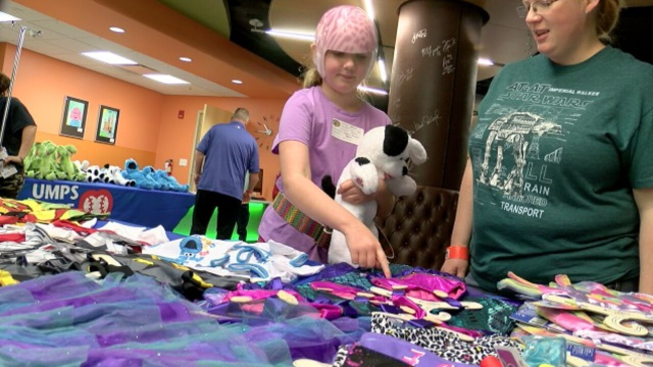 Umpires surprise kids with Build-A-Bears at PCH