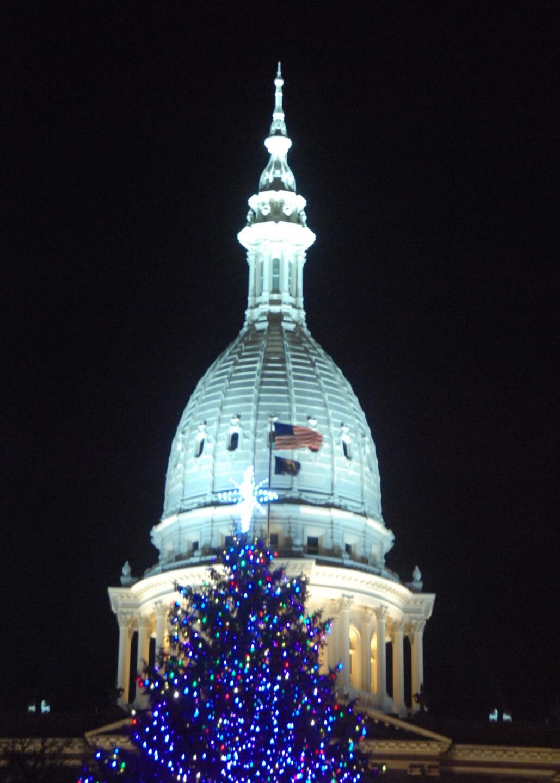 Small Capitol Xmas  (3).jpg
