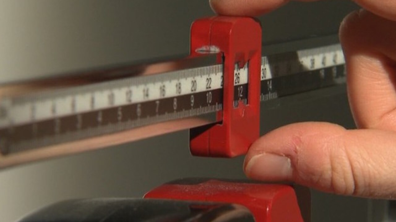 Excessively high or low BMI linked to increased risk of death, study reveals