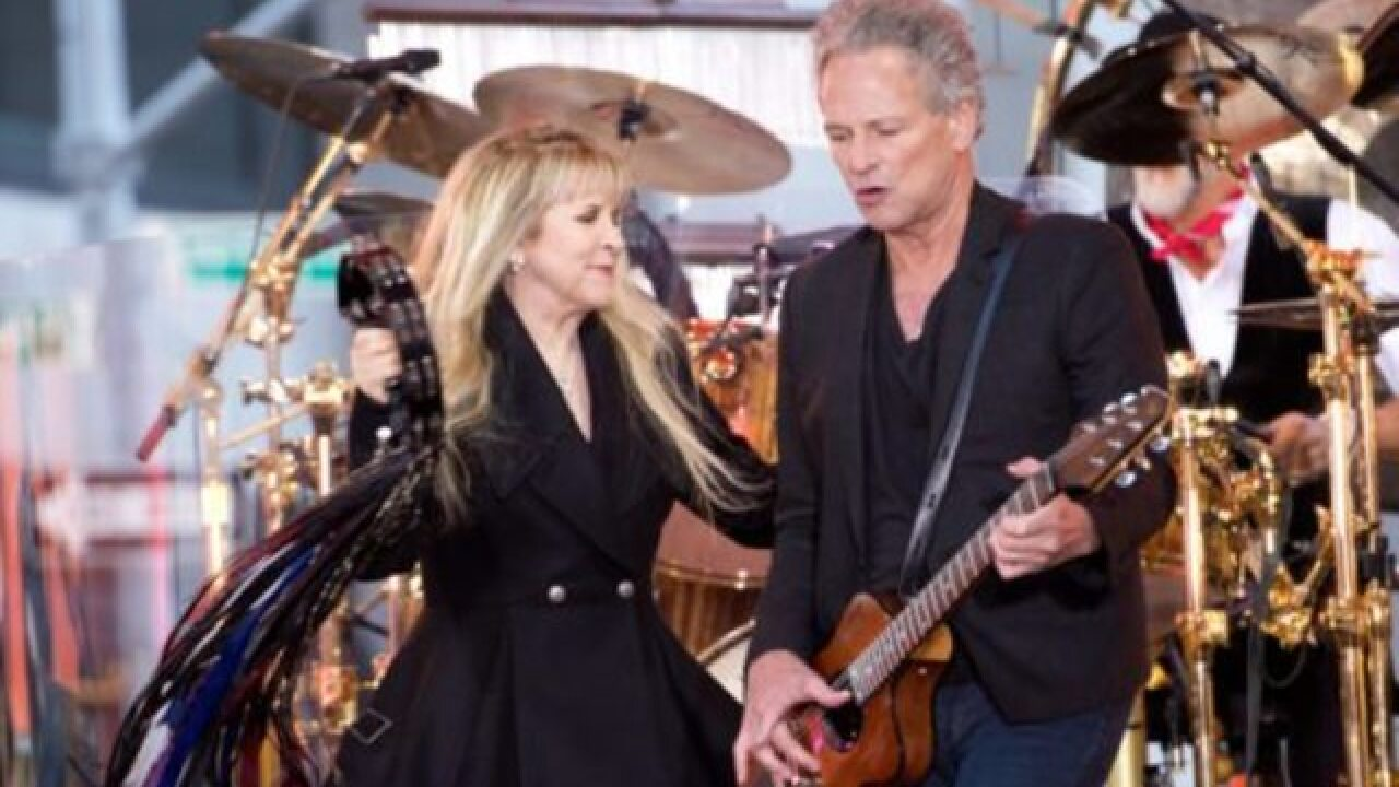 Lindsey Buckingham suing Fleetwood Mac