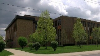 Petition calls on IPS to accept offer for Broad Ripple HS