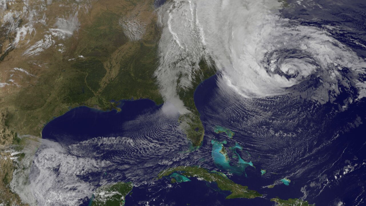East Coast gearing up for Hurricane Sandy
