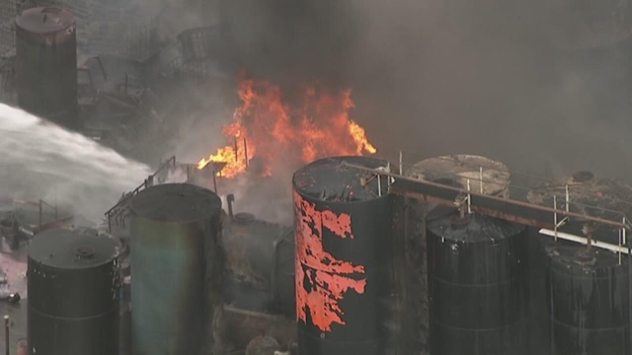 PHOTOS: Large fuel tank fire in Phoenix