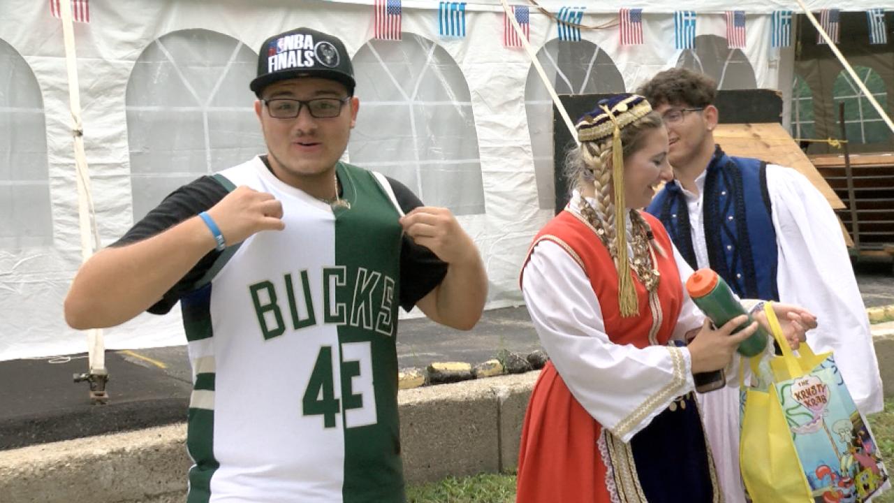 Dionisios Tsioutsiopoulos / Festival Dancer and Bucks fan