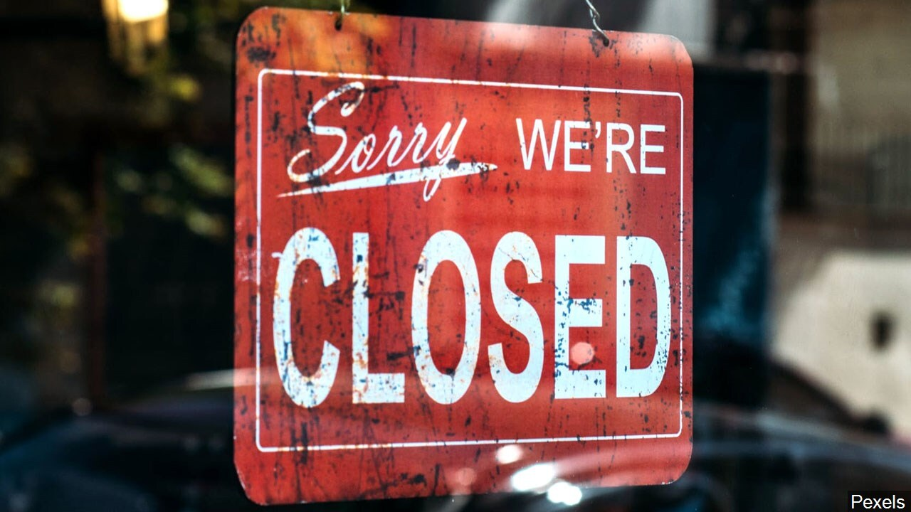 PHOTO: Store closed sign
