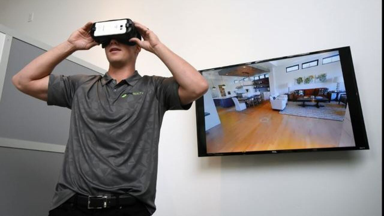 Realty company uses VR technology to show homes
