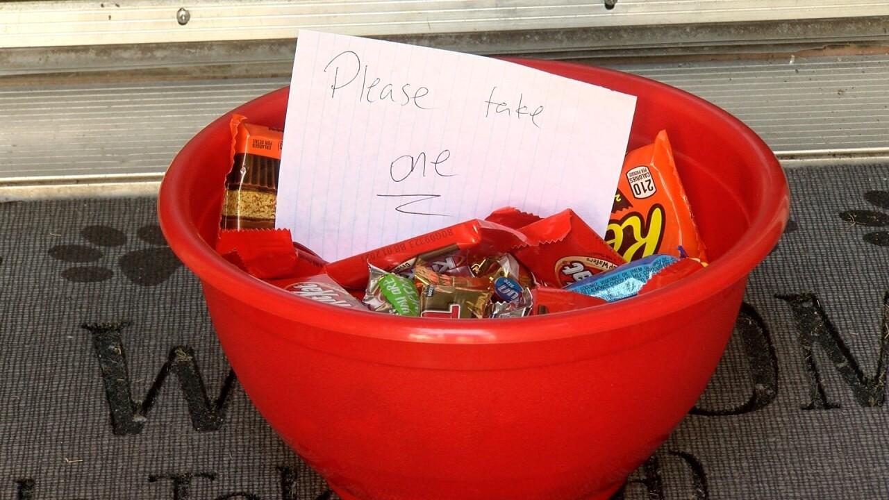 Halloween candy bowl.jpg