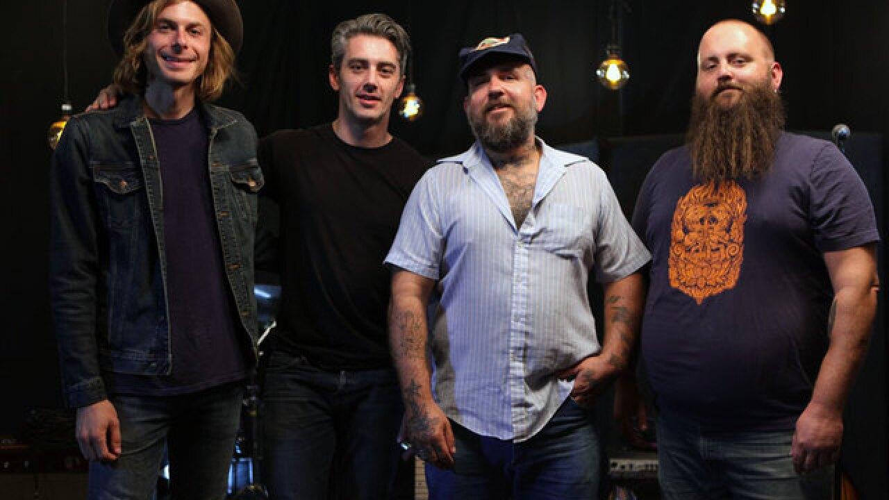 Jeremy Pinnell serves up 'no frills honky-rock'