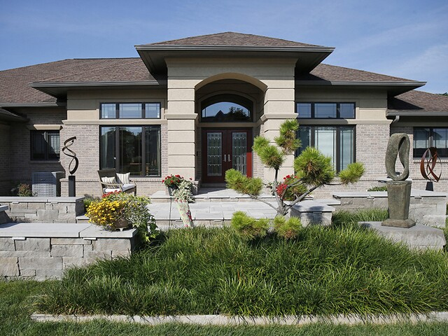 Home Tour: The landscaping is so inviting you never want to leave