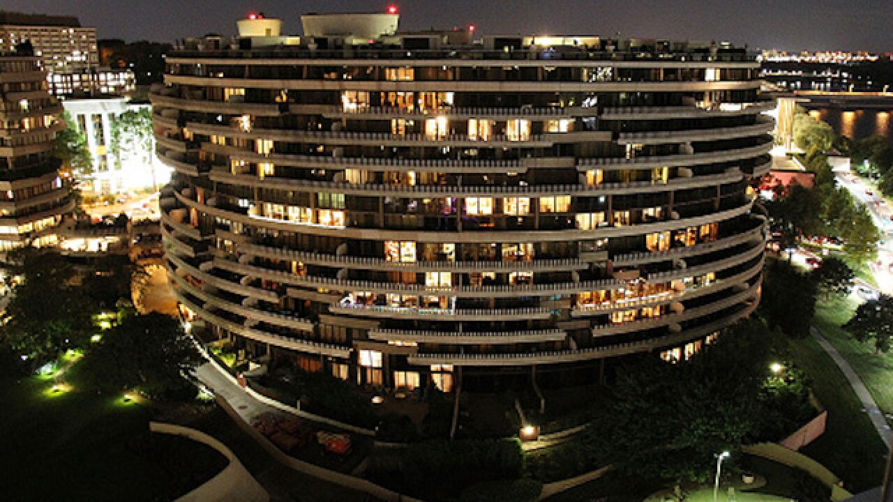 Watergate complex in Washington catches on fire