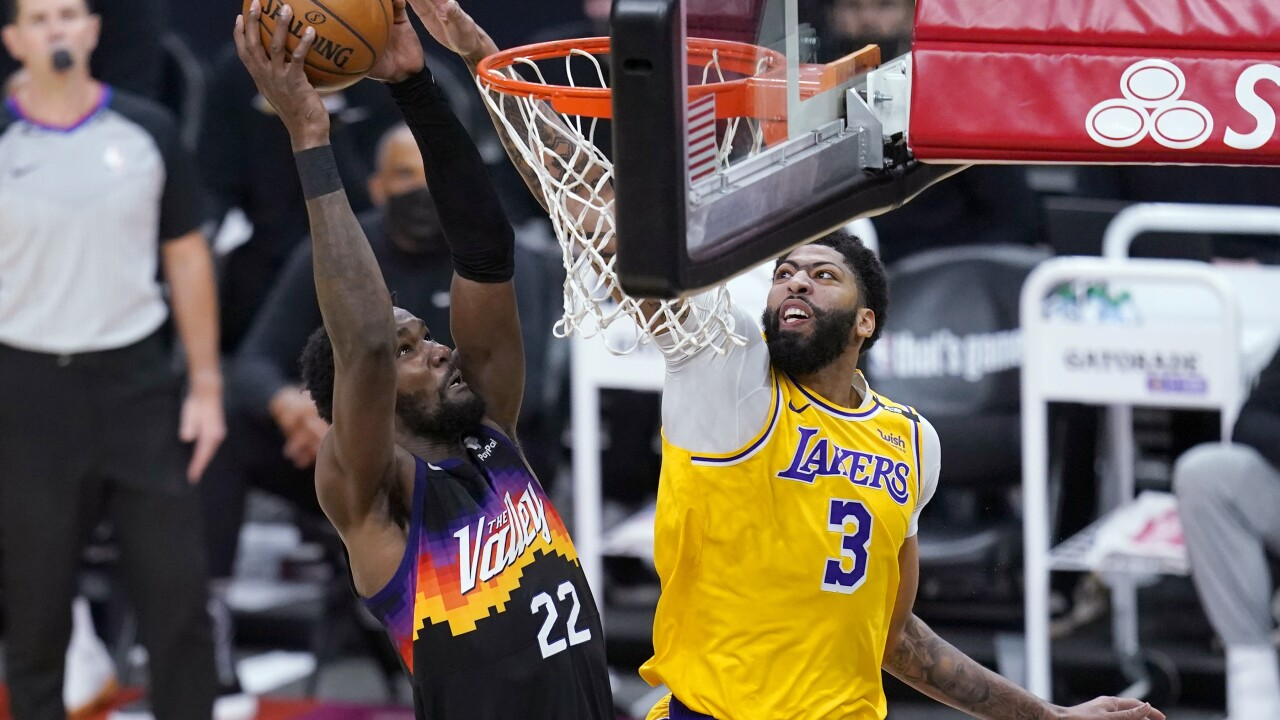 Davis, Lakers bounce back to beat Suns 109-102 in Game 2