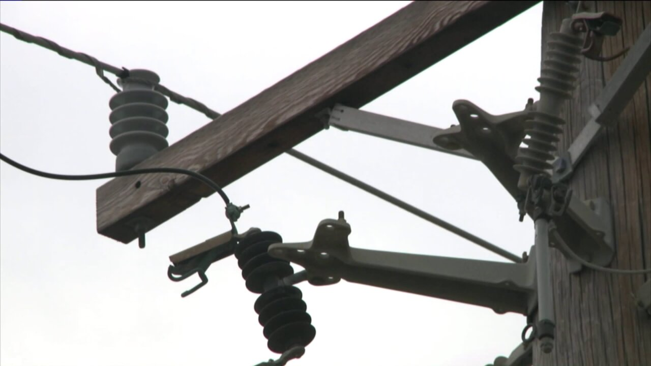 Mathews Co. road reopens after tractor trailer caught in power lines