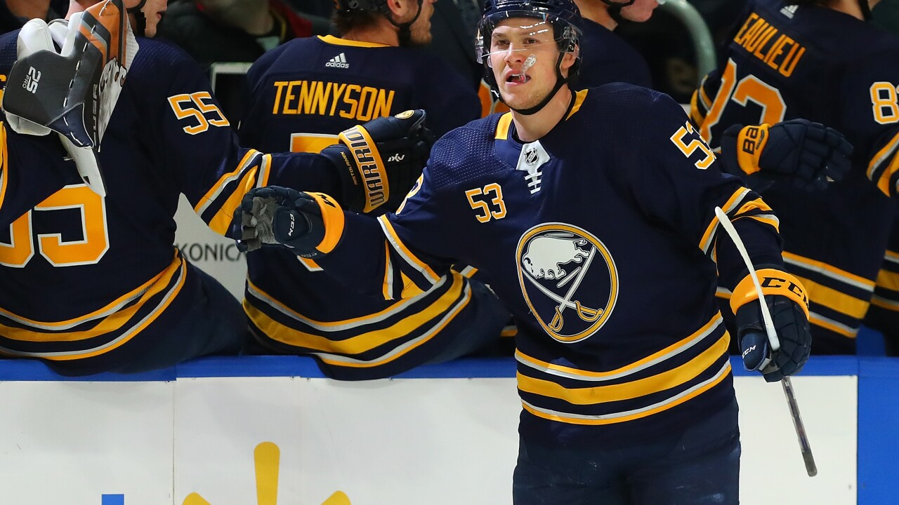 Jeff Skinner scores twice in Sabres win over Panthers