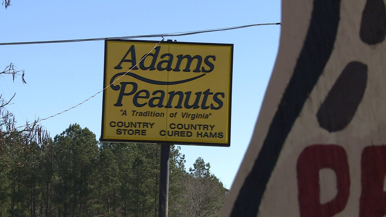 How Adams' Peanuts & Country Store stops traffic on one of Virginia's busiestroads
