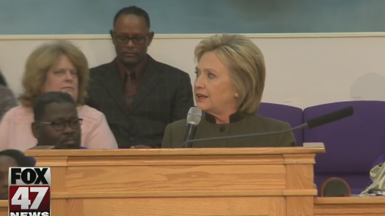 Hillary Clinton commits to helping Flint