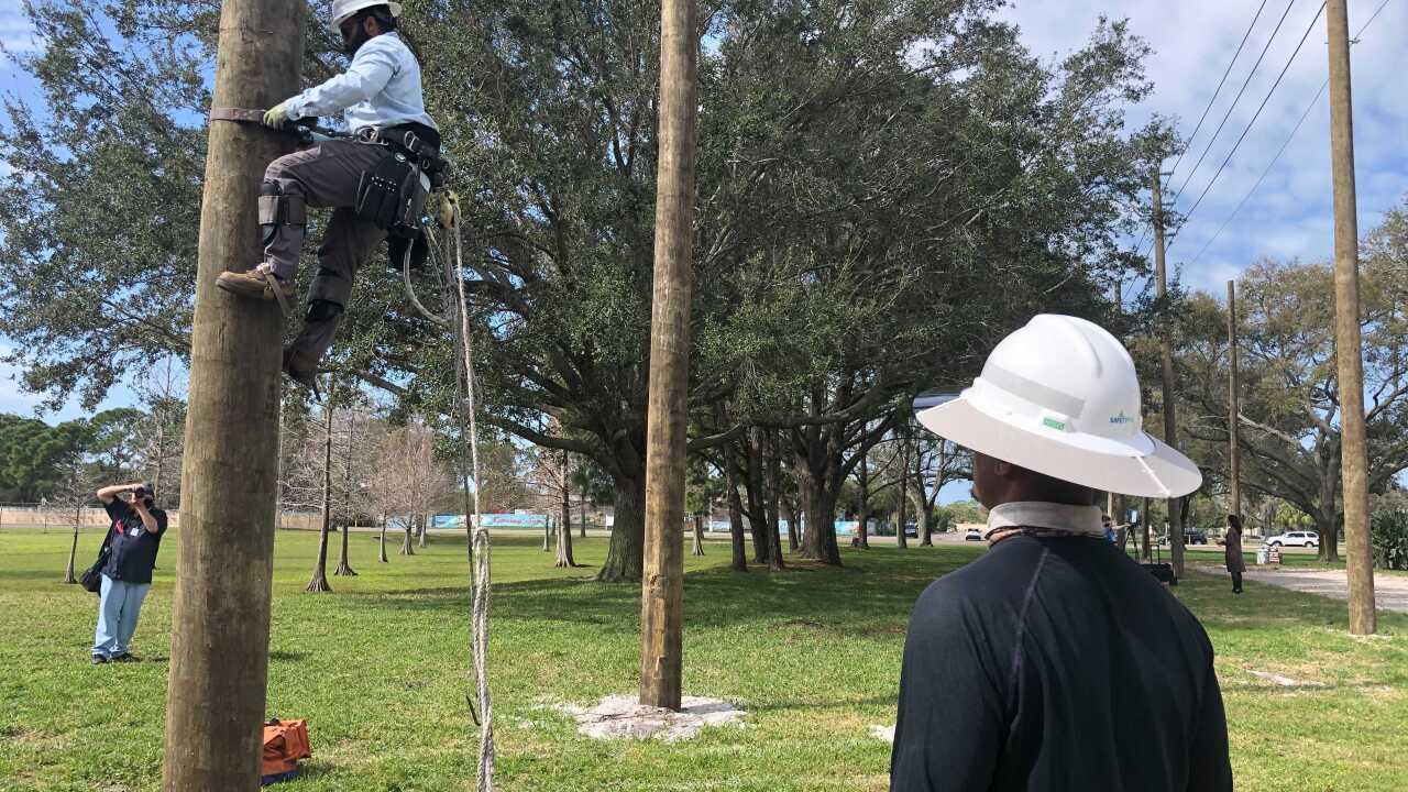 powerline workers1.jpg