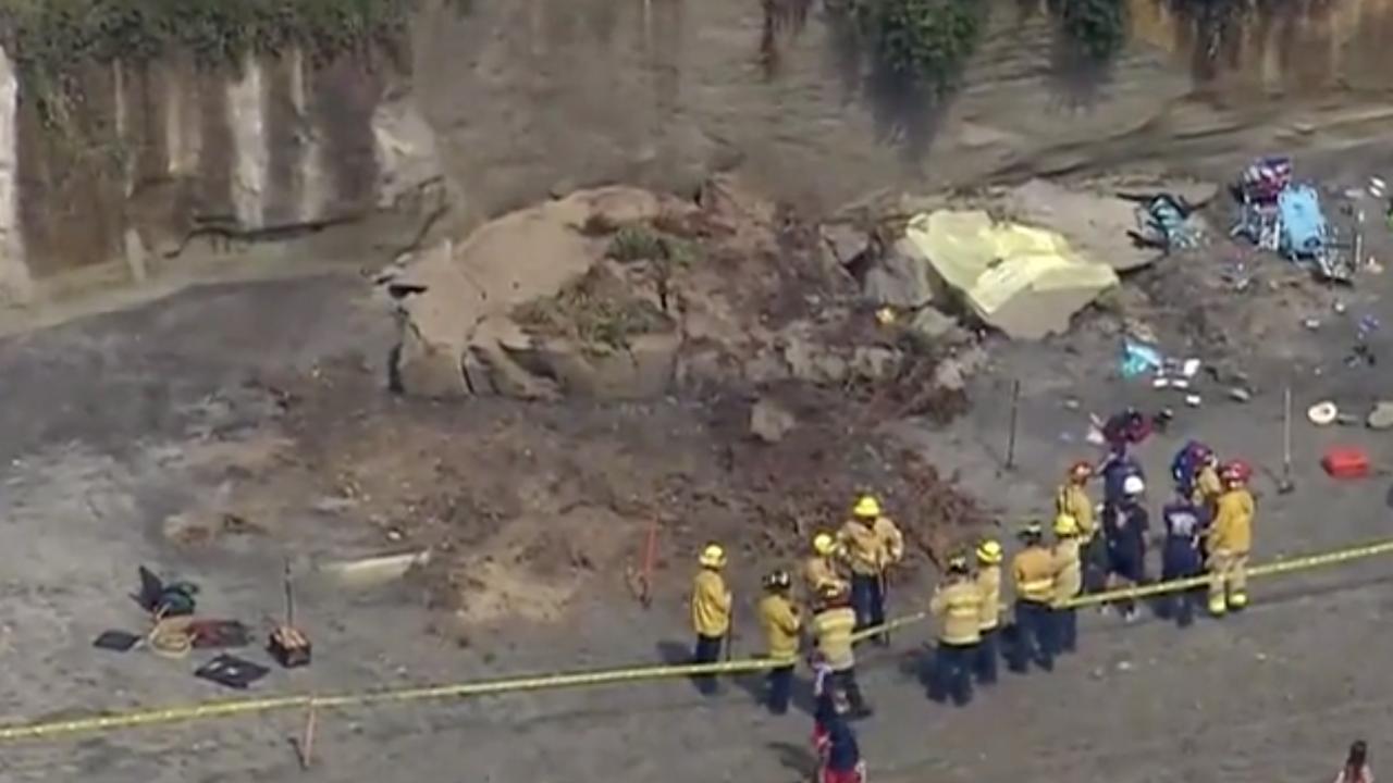 Cliff collapse on San Diego beach kills 1, injures 4. Photo courtesy: KGTV