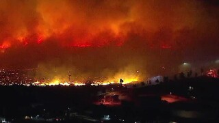 Sierra Fire: Fire breaks out near homes in Rialto area of San Bernardino County