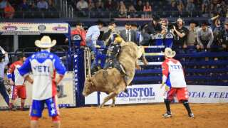 Jess Lockwood wins in Deadwood, continues push to Last Cowboy Standing