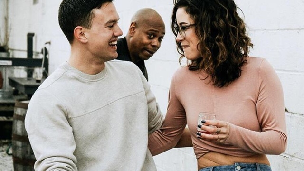 Dave Chappelle 'photobombs' Ohio couple's engagement shoot