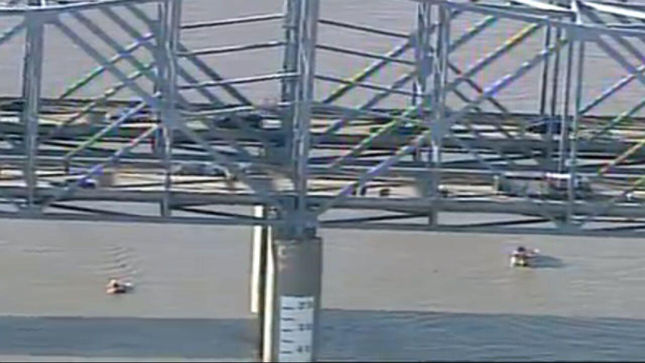 Car falls off Cincinnati bridge and into river