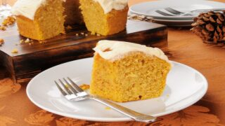 2-ingredient Pumpkin Dump Cake Recipe