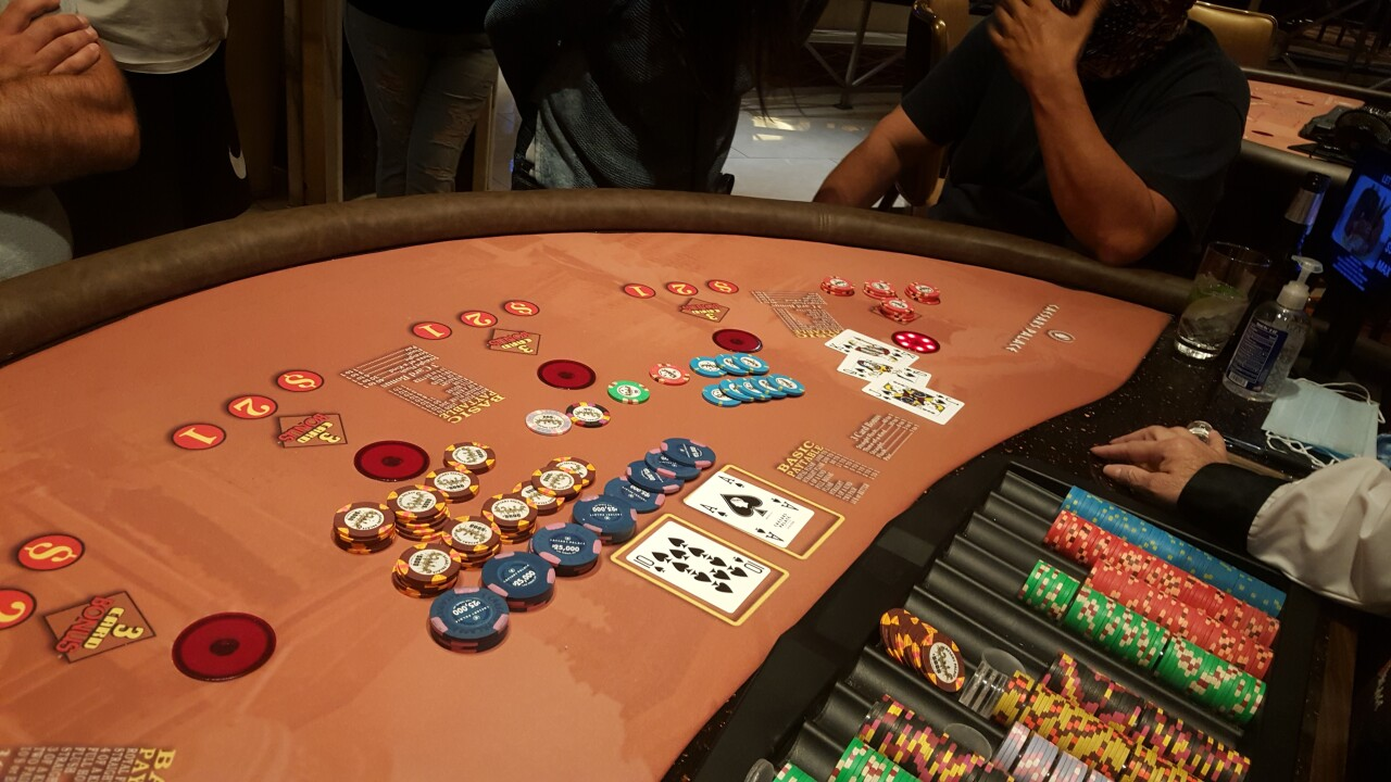 Jackpots return to Vegas Strip; gambler hits for $670K+ at Caesars Palace